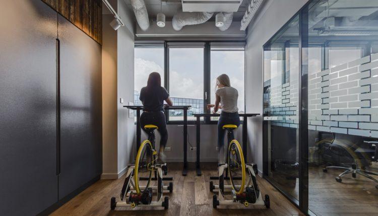 Foto_5_Praca na rowerze