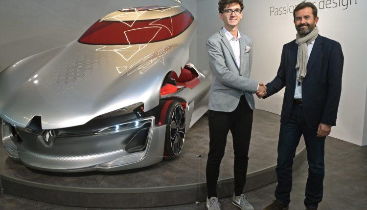 Zwycięzca Jakub Fochtman i Antoine Genin, Dyrektor Designu Wewnętrznego Grupy Renault