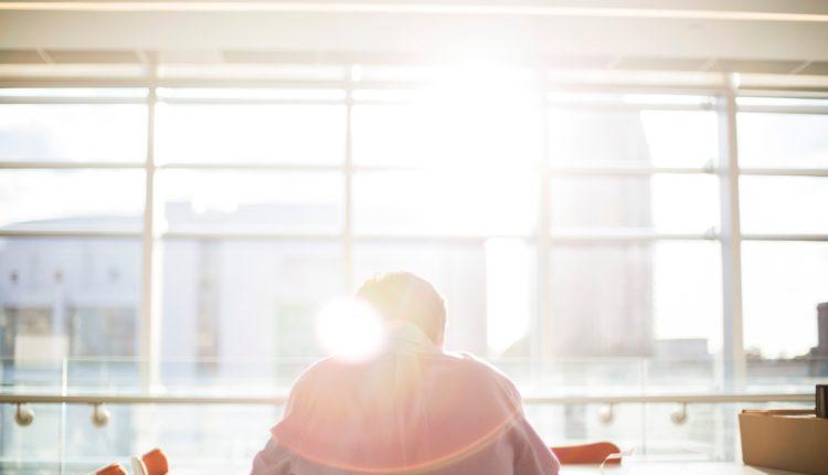 samotność osamotnienie w pracy