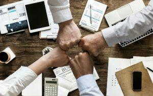 ręce współpraca biznes