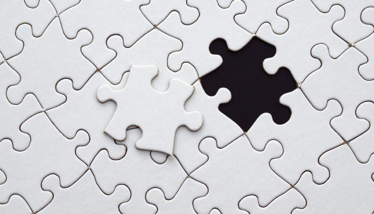 biale czarne puzzle